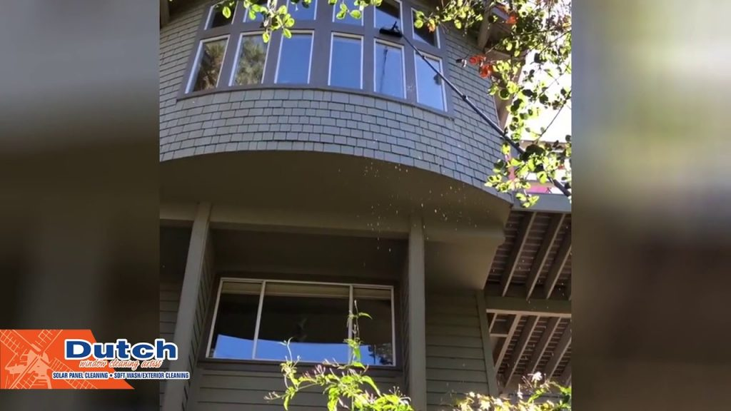 How to Clean Windows That Are 4 Stories High